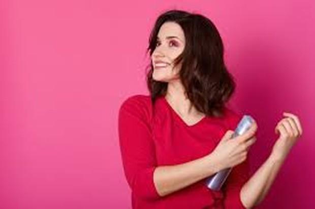 Hair mousse bisa memberikan efek akar rambut yang lebih terangkat sehingga membuat tampilan lebih tebal