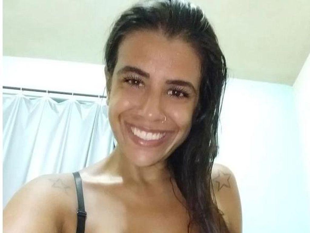 Heboh Bintang Film Dewasa Cantik Tewas Secara Tragis, Ditikam di Leher