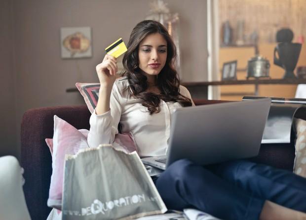 Online shop bisa jadi bisnis sampingan buat anak kuliah.