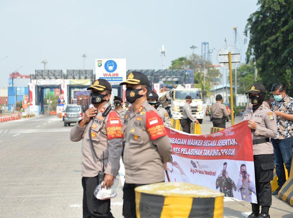 #PriokBermasker Digencarkan, Pelabuhan Tanjung Priok Kini Zona Hijau COVID-19