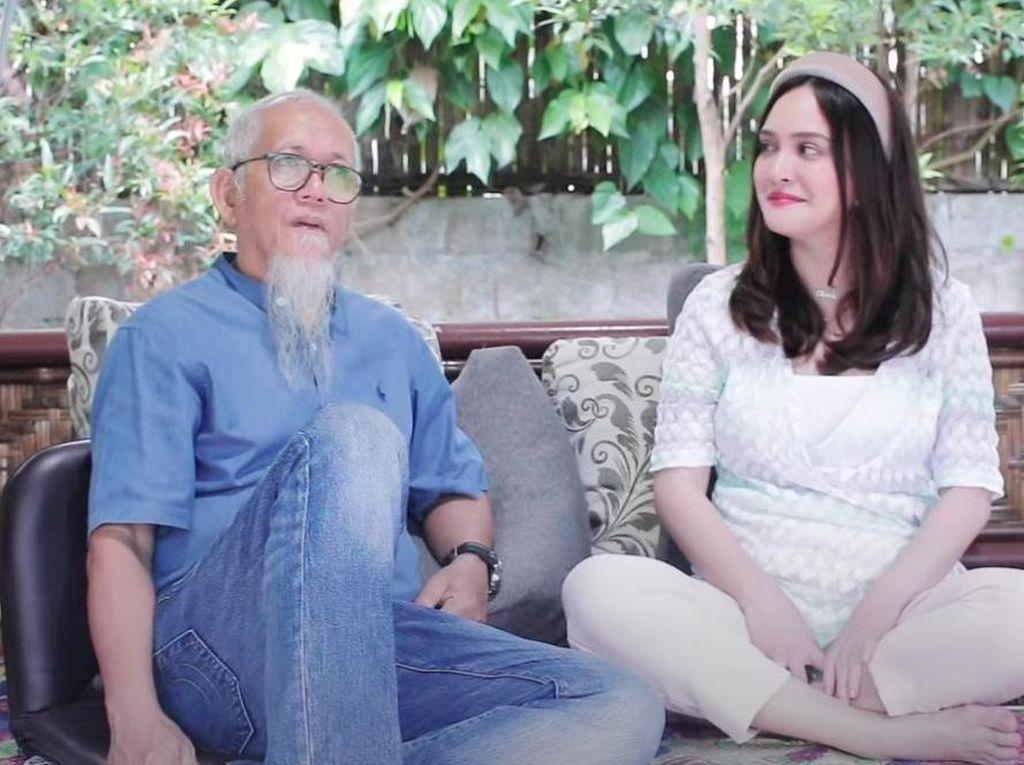 Shandy Aulia Jalani 2 Agama, Ayah: Semoga Dapat Hidayah