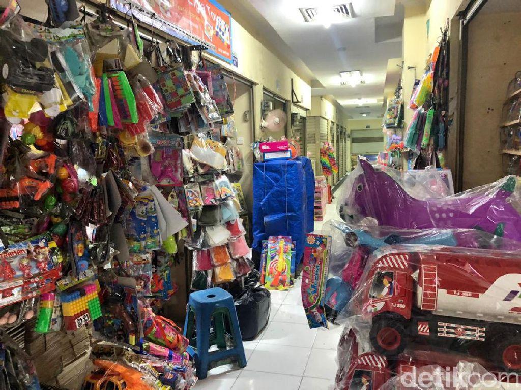 Digusur Tol Becakayu-Dihantam Corona, Pedagang Pasar Gembrong Merana