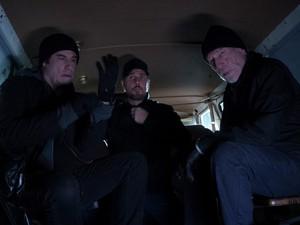 Sinopsis The Forger, Aksi John Travolta Jalani Misi Pencurian