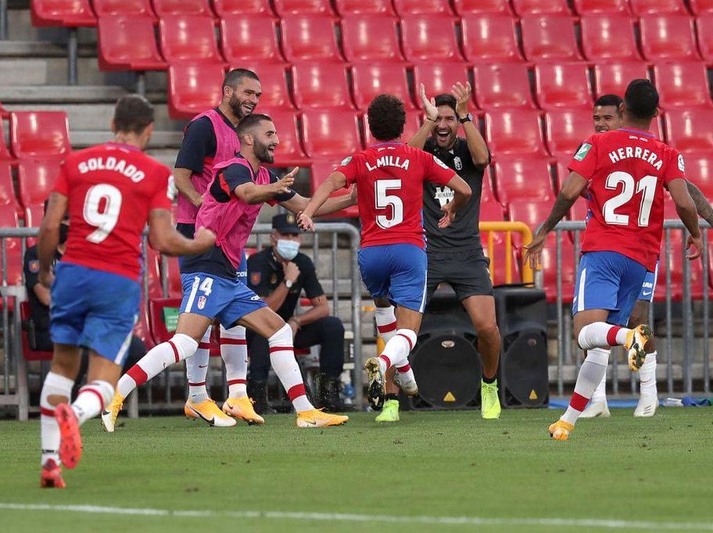 Hasil LaLiga: Anak Luis Milla Debut, Cetak Gol, dan Bawa Granada Menang