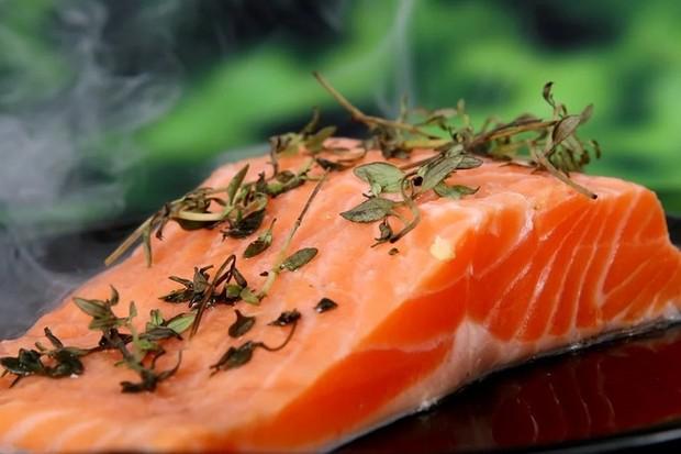 cara praktis menurunkan berat badan tanpa olahraga, konsumsi lebih banyak protein