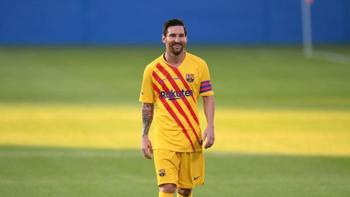 BARCELONA, SPAIN - SEPTEMBER 12: Lionel Messi of FC Barcelona reacts during the during the pre-season friendly match between FC Barcelona and Gimnastic de Tarragona at Estadi Johan Cruyff on September 12, 2020 in Barcelona, Spain. (Photo by David Ramos/Getty Images)