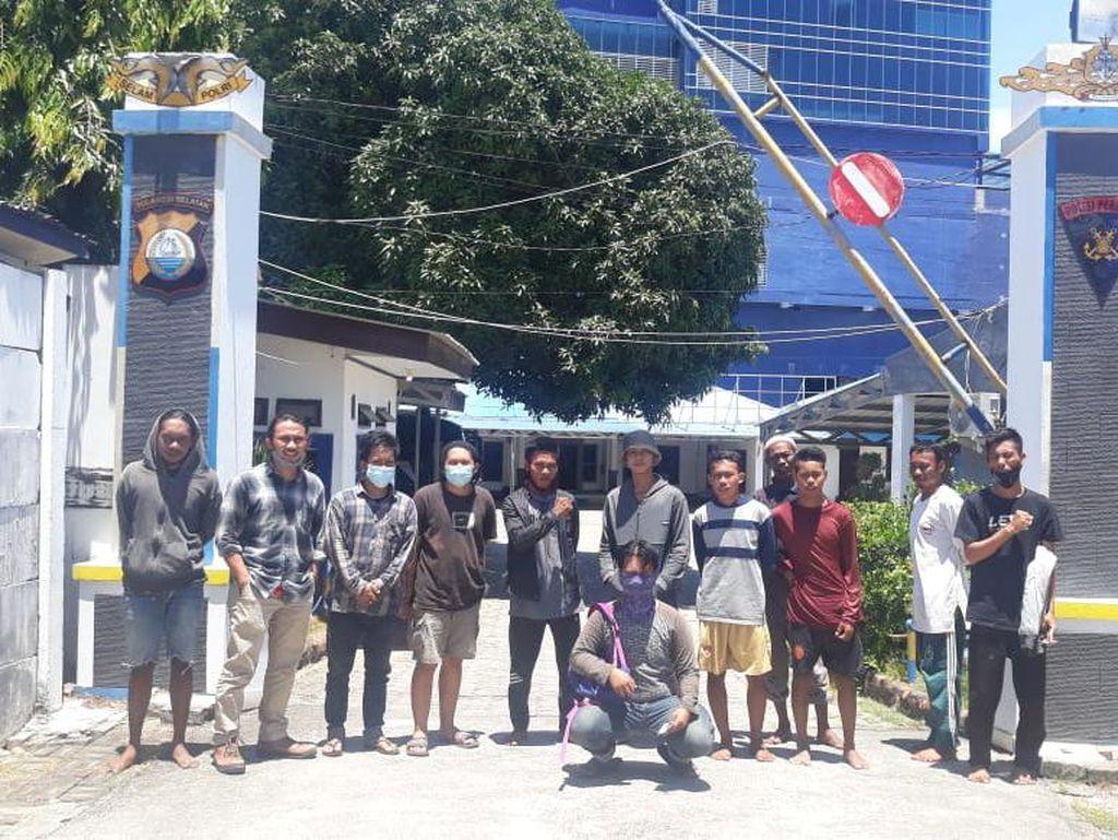Sempat Ditahan, 12 Nelayan-Mahasiswa di Makassar Dipulangkan