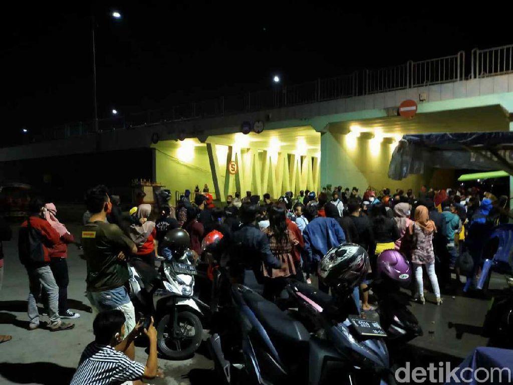 Ini Alasan Remaja di Surabaya Tetap Nongkrong Saat Pandemi COVID-19