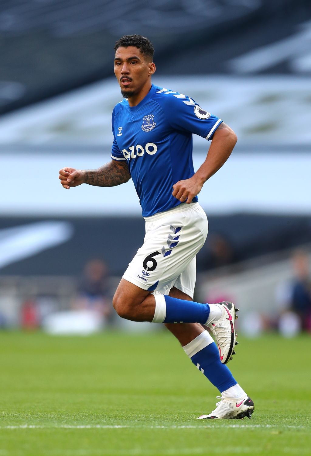 LONDON, ENGLAND - SEPTEMBER 13: Allan of Everton in action during the Premier League match between Tottenham Hotspur and Everton at Tottenham Hotspur Stadium on September 13, 2020 in London, England. (Photo by Catherine Ivill/Getty Images)