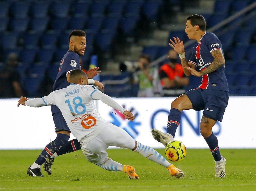 PSG Vs Marseille Panas, Angel Di Maria Juga Dituduh Ludahi Lawan