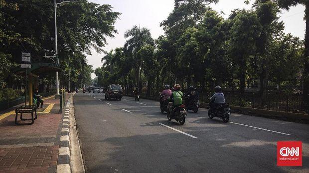 Arus lalu lintas Lalu lintas di dpn univ pancasila.