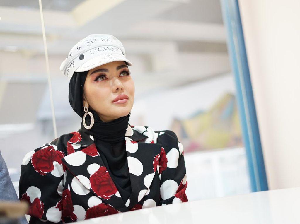 Cerita Bella Shofie Punya Rumah Mewah hingga Pakai Baju Rp 1 M di Sawah