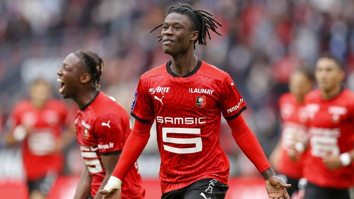 FILE- In this Saturday, Aug. 29, 2020 file photo, Rennes Eduardo Camavinga celebrates after scoring his sides second goal during the League One soccer match between Rennes and Montpellier, at the Roazhon Park stadium in Rennes, France. Judos loss is French soccers gain. Having dreamed of kimonos as a kid, the 17-year-old Eduardo Camavinga is now the nations biggest talent since Kylian Mbappés sensational emergence with Monaco in 2016. (AP Photo/David Vincent, File)