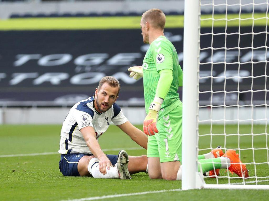 Dear Harry Kane, Ngejar Apa Sih di Tottenham?