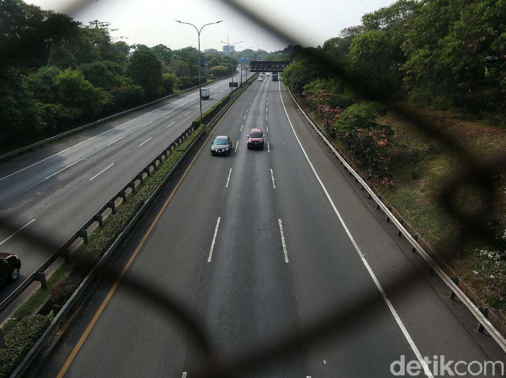 Ada Kecelakaan, Lalin di Km 23 Tol Kapuk Arah Cengkareng Sempat Macet
