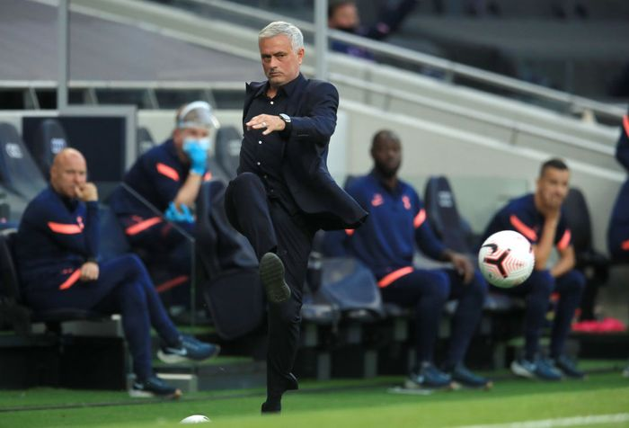 LONDON, ENGLAND - SEPTEMBER 13: Jose Mourinho, Manager of Tottenham Hotspur kicks the ball during the Premier League match between Tottenham Hotspur and Everton at Tottenham Hotspur Stadium on September 13, 2020 in London, England. (Photo by Adam Davy - Pool/Getty Images)