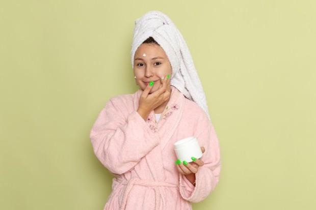 mengurangi krim wajah