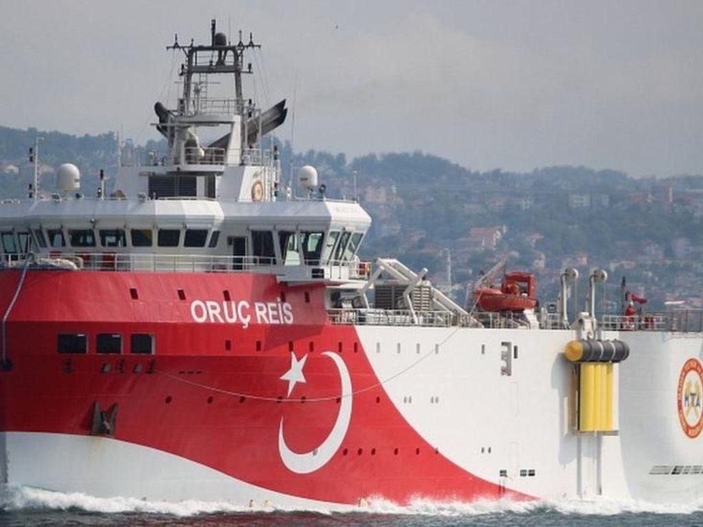 Bersitegang dengan Yunani, Turki Tarik Kapalnya dari Perairan Sengketa