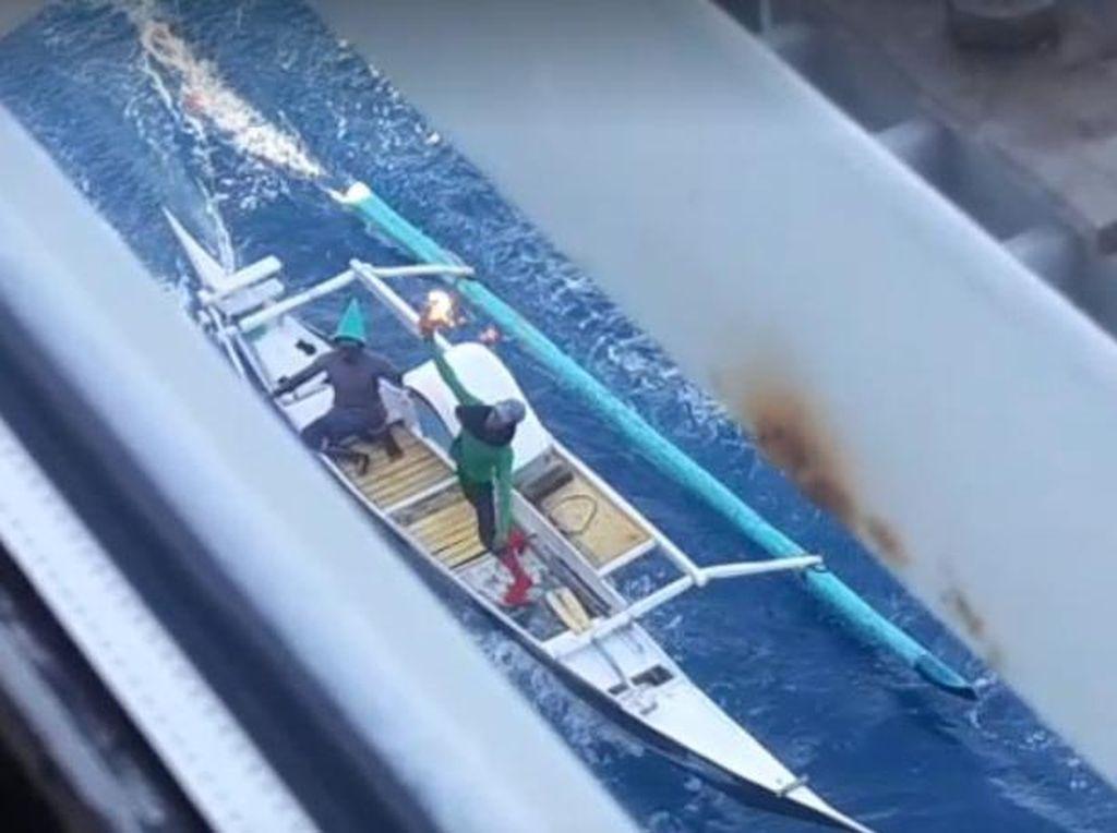 Polisi Kejar 4 Nelayan Pelempar Molotov ke Kapal Penambang di Makassar