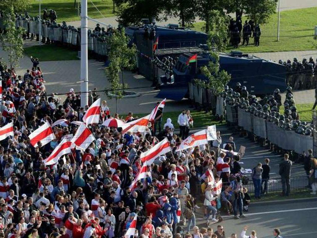 Demo Terus Berlanjut, 400 Demonstran Ditangkap di Belarus