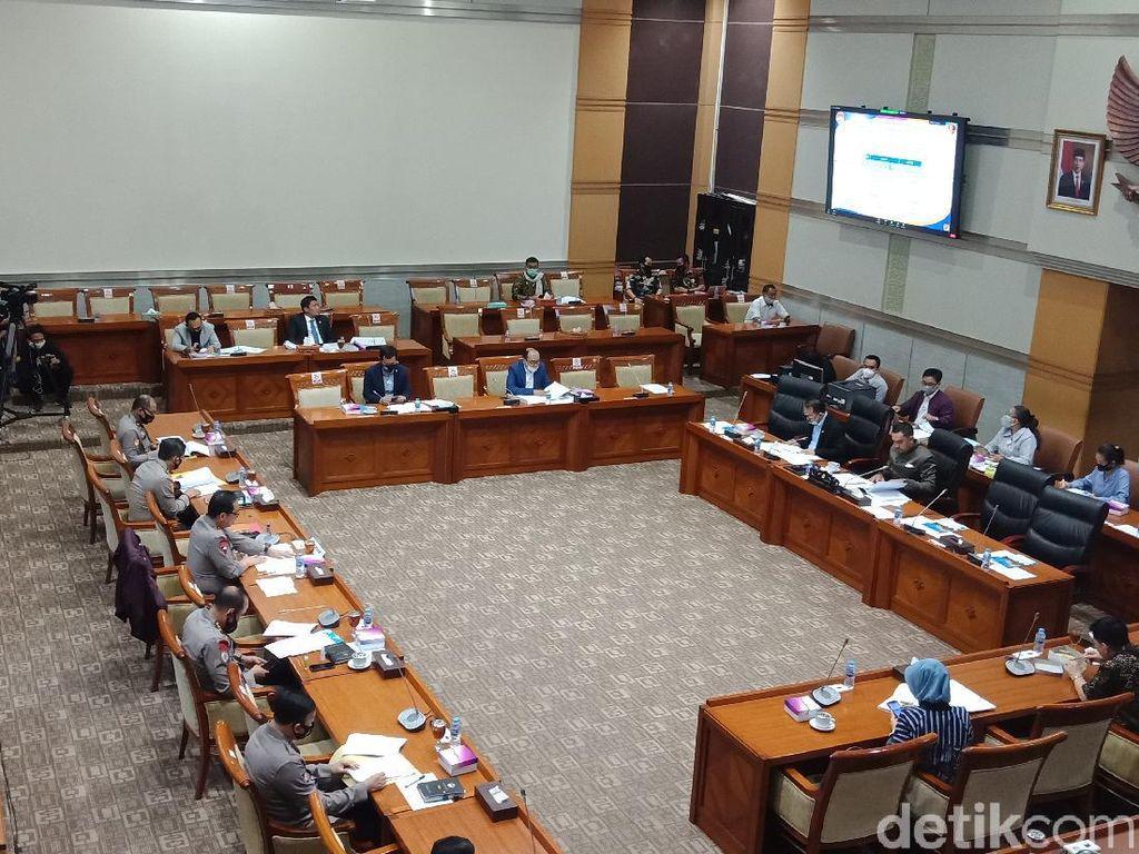 Arteria Dahlan vs Sahroni Debat Panas di Rapat Komisi III DPR-Polri!