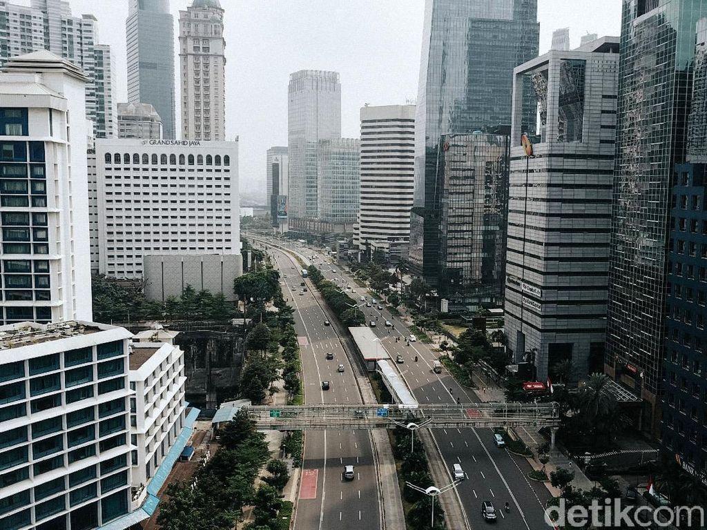 PSBB Ketat, Jalanan Jakarta Lebih Lancar