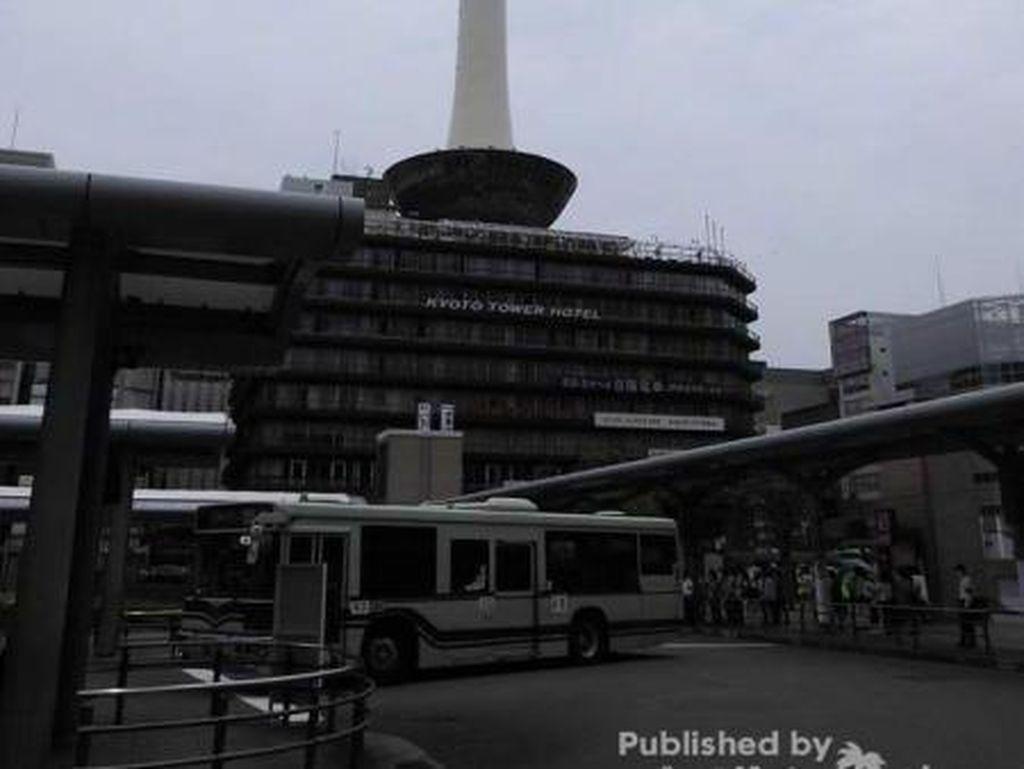 Potret Kyoto Tower yang Bikin Rindu Jalan-Jalan