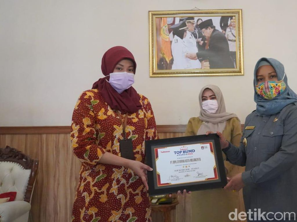 Program Pusyar BPRS Kota Mojokerto Raih Top BUMD Award 2020