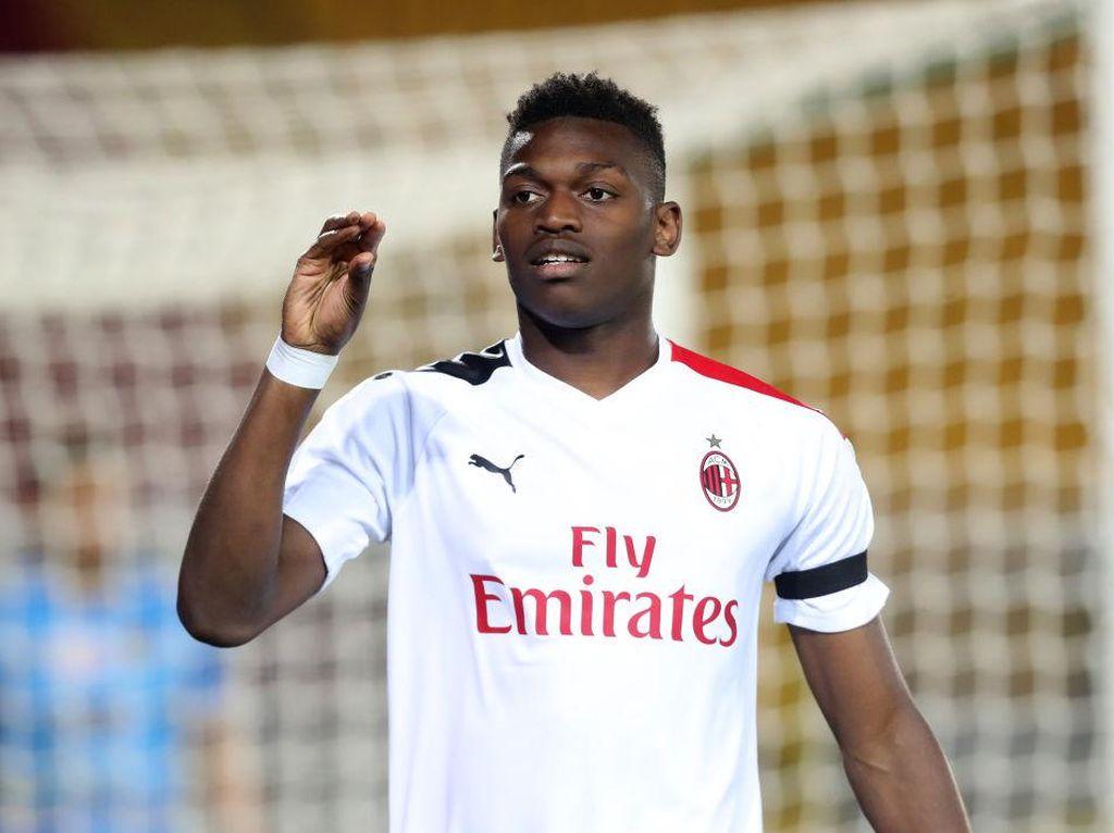 Striker AC Milan Ini Dikabarkan Positif COVID-19