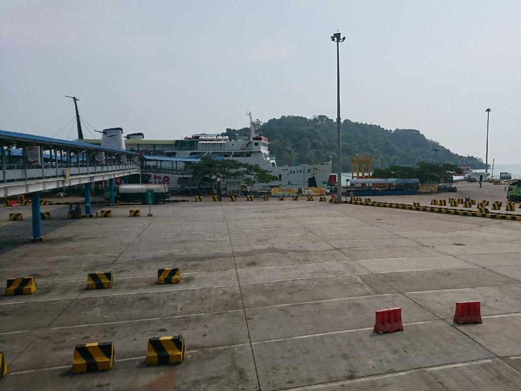 Selama PSBB, Jumlah Penumpang di Pelabuhan Merak Turun Hingga 70 Persen