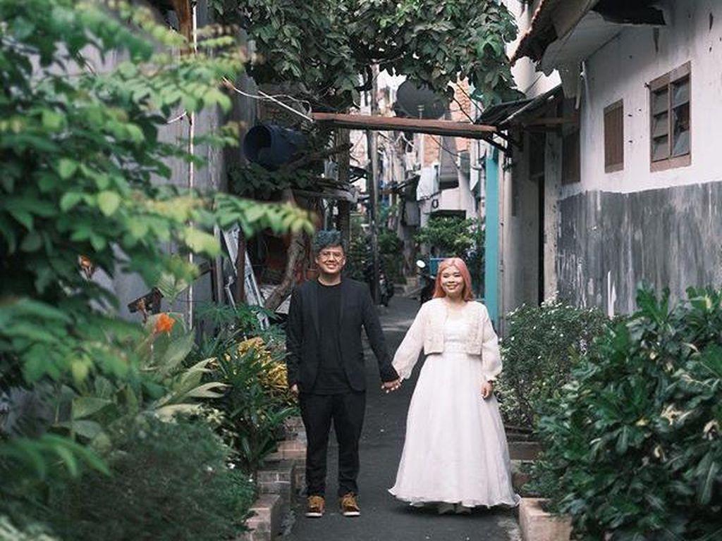 Foto Prewedding di Gang Sempit Daerah Roxy Ini Viral Bikin Takjub