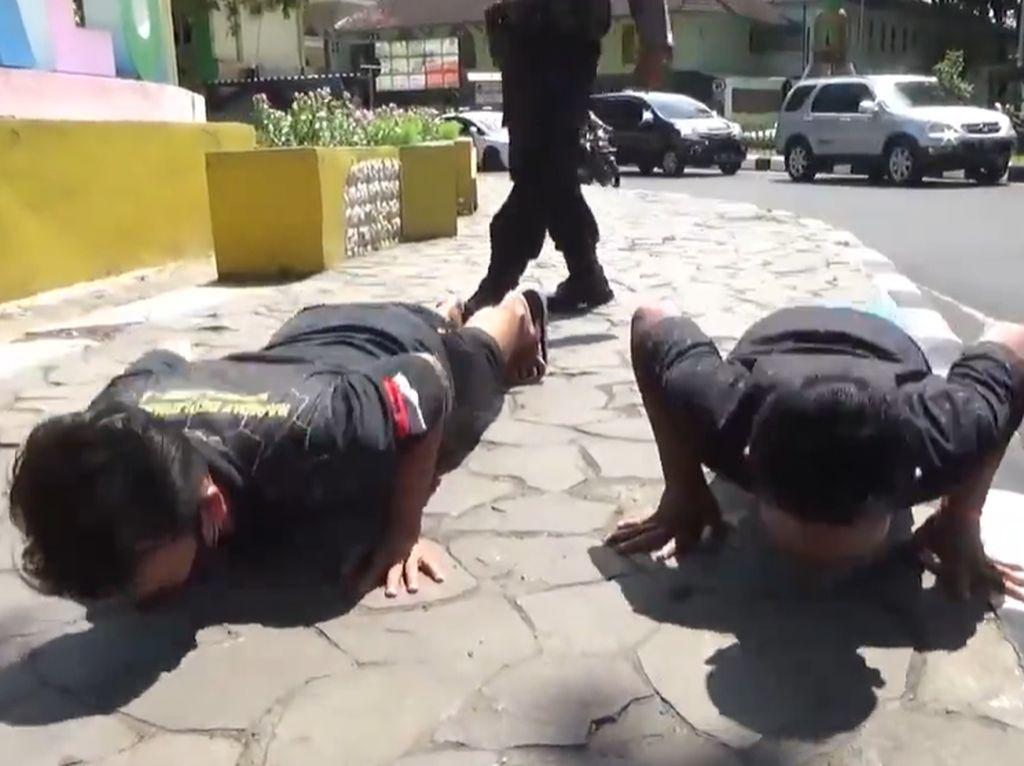 Hukuman Push Up Bagi Warga Tak Bermasker di Lumajang