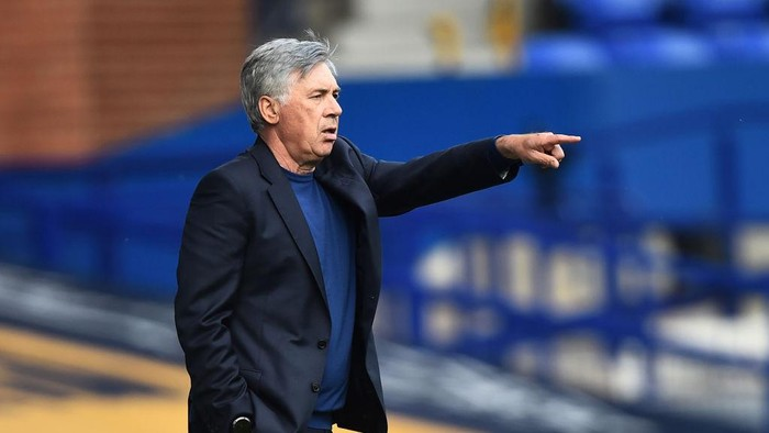 LIVERPOOL, ENGLAND - SEPTEMBER 05: Carlo Ancelotti manager of Everton gestures during the pre-season friendly match between Everton and Preston North End at Goodison Park on September 05, 2020 in Liverpool, England. (Photo by Nathan Stirk/Getty Images)
