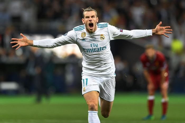 KIEV, UKRAINE - MAY 26:   Gareth Bale of Real Madrid celebrates scoring his sides second goal during the UEFA Champions League Final between Real Madrid and Liverpool at NSC Olimpiyskiy Stadium on May 26, 2018 in Kiev, Ukraine. (Photo by Michael Regan/Getty Images)