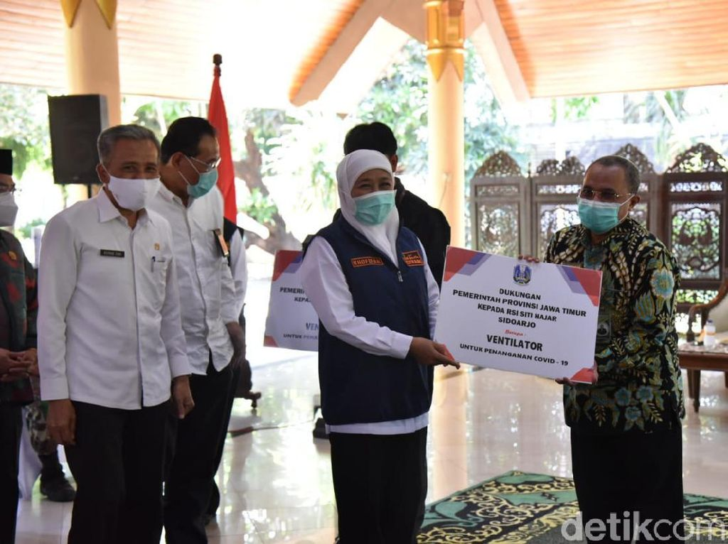 Gubernur Khofifah Beri Bantuan 26 Ventilator untuk 5 Daerah di Jatim