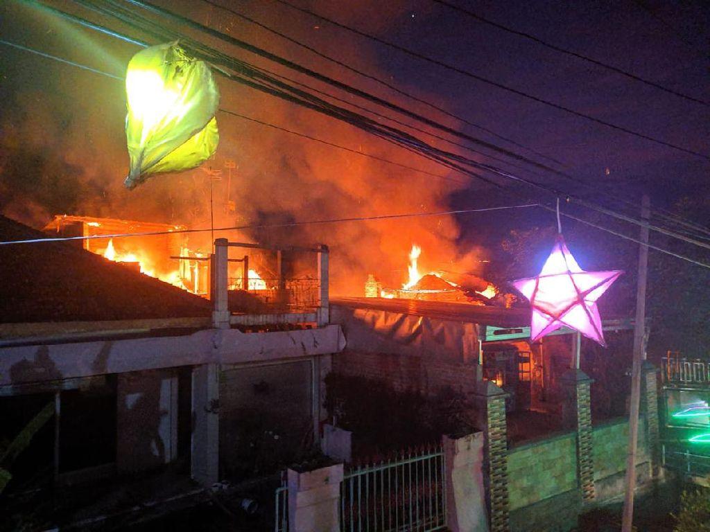 Rumah dan Gudang Ludes Terbakar di Kudus, Kerugian Hingga Rp 350 Juta