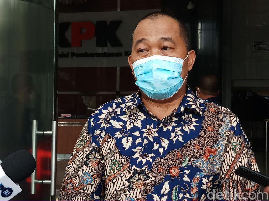 Papan Pengumuman Boyamin Saiman Dicopot Satpol PP, Gubernur DKI Digugat