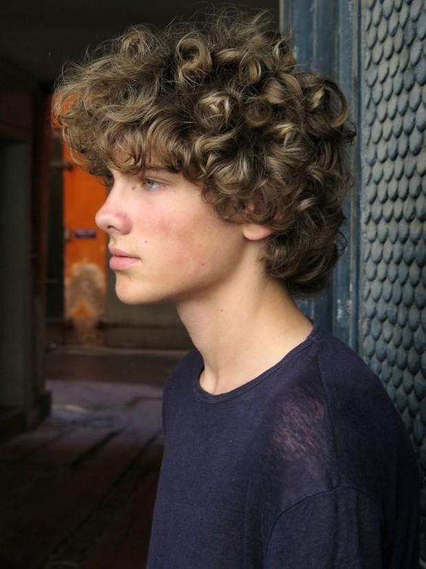 Karakter Jika dilihat dari gaya rambut