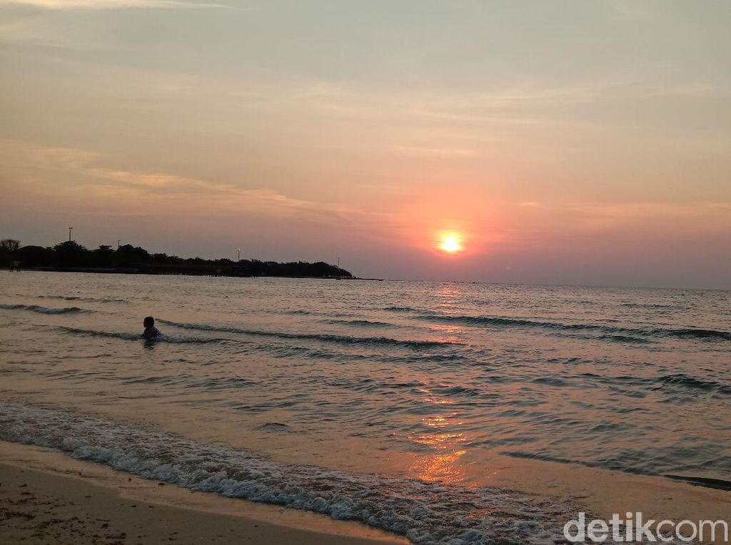 Indahnya Nikmati Senja dari Pinggir Kampung Prau Jepara