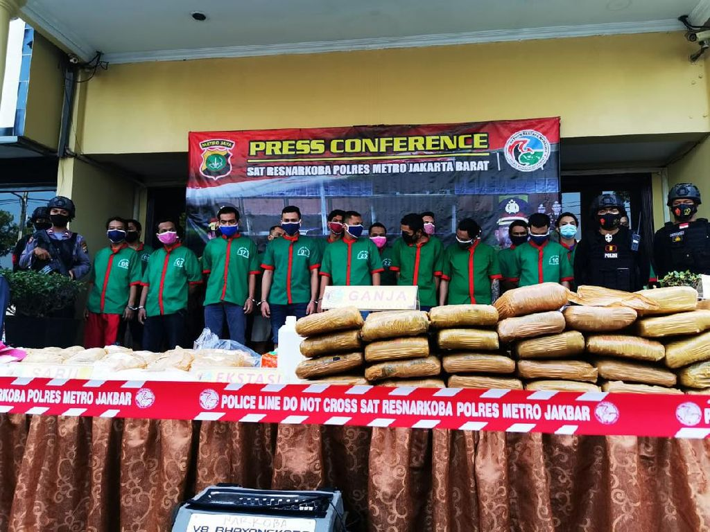 Polres Jakbar Musnahkan Barang Bukti Narkoba Hasil Operasi Selama 2 Bulan