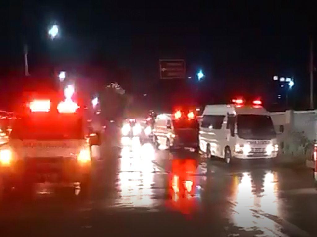 Penjelasan Lengkap Wisma Atlet soal Antrean Ambulans yang Sempat Viral