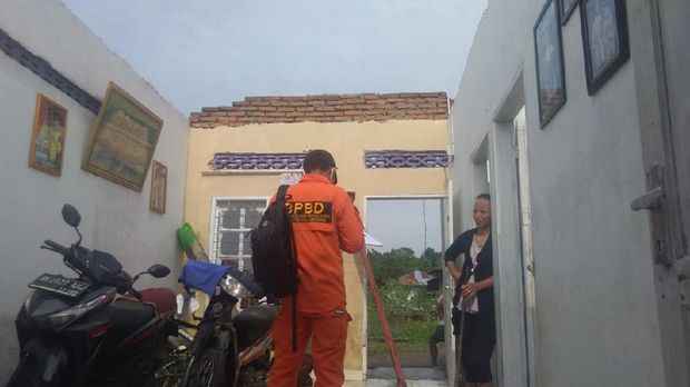 Puluhan rumah di Deli Serdang rusak akibat diterjang puting beliung (dok BNPB)