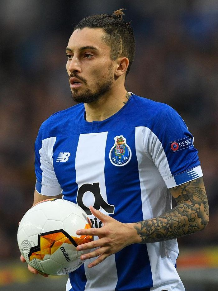 PORTO, PORTUGAL - FEBRUARY 27: Alex Telles of Porto in action during the UEFA Europa League round of 32 second leg match between FC Porto and Bayer 04 Leverkusen at Estadio do Dragao on February 27, 2020 in Porto, Portugal. (Photo by Octavio Passos/Getty Images)