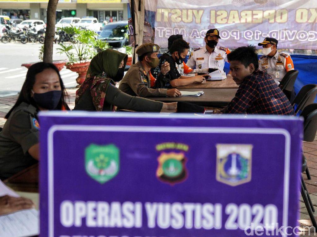Polisi Evaluasi Penindakan Pemobil Sendiri Tak Pakai Masker