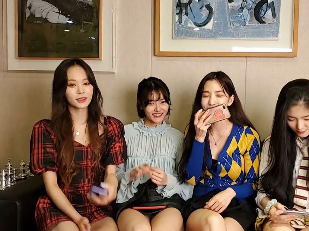 Viral Girl Group K-Pop Dilecehkan Staf Saat Siaran Langsung