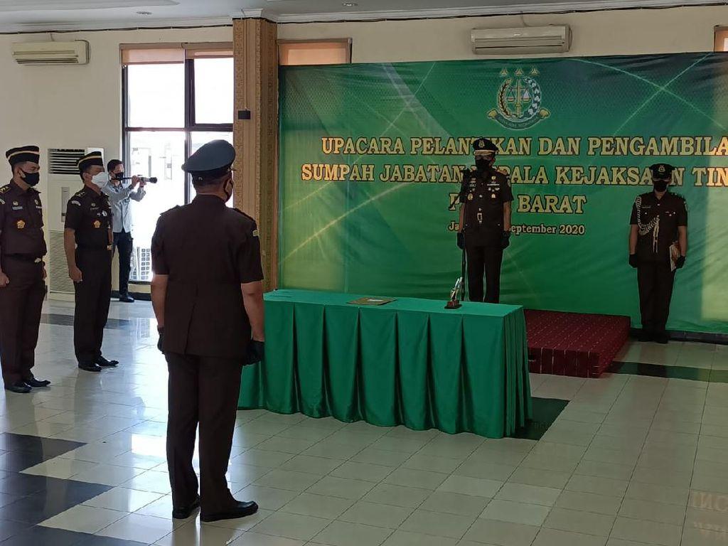 Wakil Jaksa Agung Lantik Kajati Papua Barat Wilhelmus Lingitubun