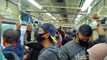 Pakai Masker Scuba, Pengguna KRL Tak Diizinkan Masuk dalam Stasiun