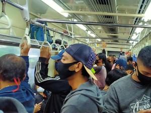 Soal Anjuran Tak Pakai Masker Scuba, Banyak Pengguna KRL Mengaku Belum Tahu