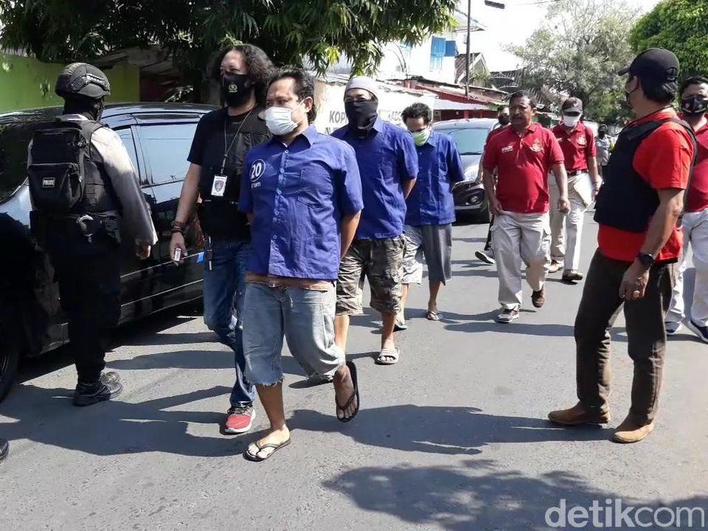 Rekonstruksi Penyerangan Doa Nikah di Solo, 8 Tersangka Dihadirkan