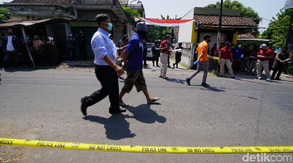 Polisi Olah TKP Penyerangan Habib Umar Assegaf